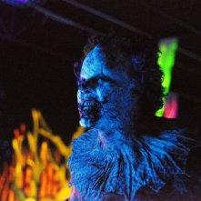 Clown: Andy Powers in un'agghiacciante scena del film horror
