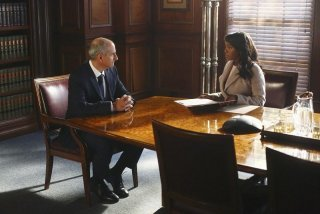 How To Get Away With Murder: Aja Naomi King e Dean Buchanan in una scena dell'episodio He Deserved to Die