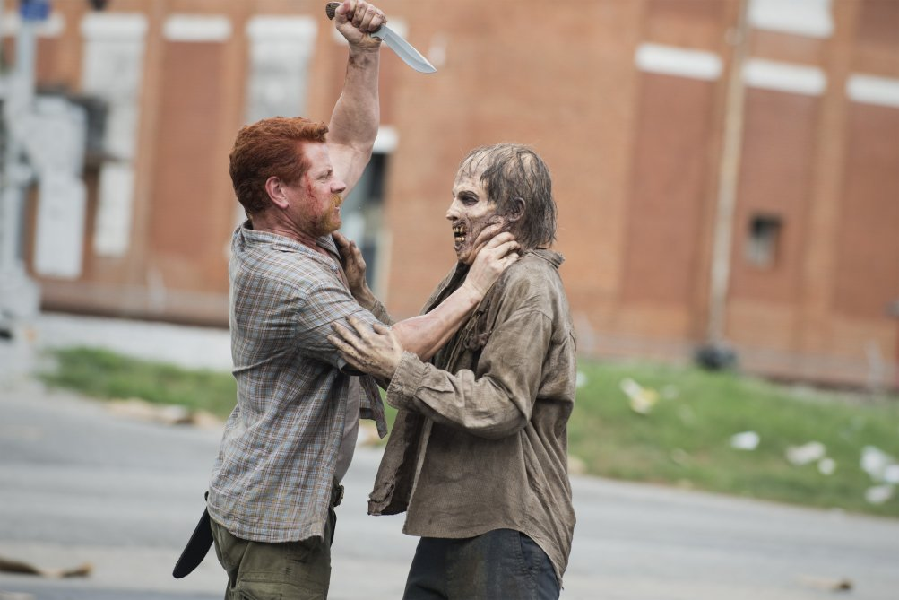 The Walking Dead: Michael Cudlitz interpreta Abraham in una scena della puntata Sabotaggio