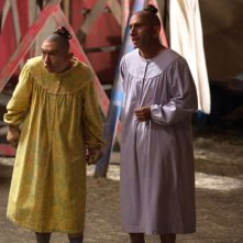 American Horror Story Freak Show:  Christopher Neiman e Naomi Grossman in Bullseye