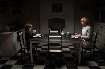 Essie Davis e Noah Wiseman in The Babadook