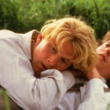 Maurice - James Wilby e Hugh Grant in una scena