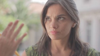 Announce Earthquakes: Jimena Sivila Soza in una scena del film