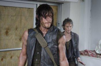 The Walking Dead: Norman Reedus e Melissa McBride in una scena di Consumed