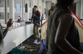 The Walking Dead: Tyler James Williams in una scena dell'episodio intitolato Consumed