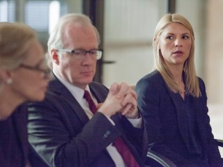 Homeland: Tracy Letts e Claire Danes nell'episodio Halfway to a Donut