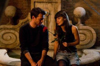 Ogni maledetto Natale: Alessandro Cattelan con Alessandra Mastronardi in una scena del film