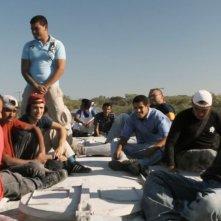 Chi è Dayani Cristal?: Gael Garcia Bernal protagonista del documentario in una scena