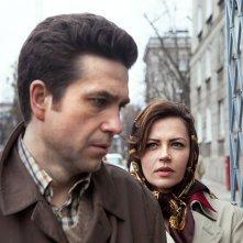 Jack Strong: Marcin Dorocinski inseguito da Maja Ostaszewska in una scena del film