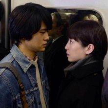 Pale Moon: Rie Miyazawa con Sôsuke Ikematsu in una scena del film