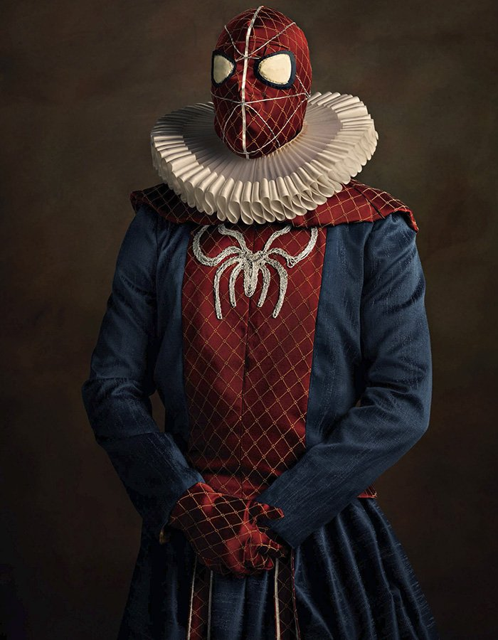 Spider-Man rinascimentale in una foto di Sacha Goldberger