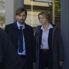 Gracepoint: i protagonisti David Tennant e Anna Gunn nell'ottavo episodio