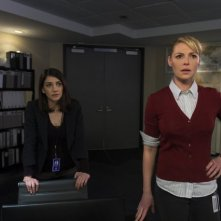 State of Affairs: Katherine Heigl e Sheila Vand nel pilot della serie