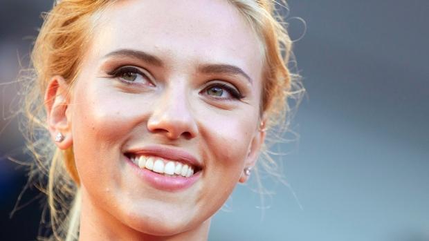 Scarlett Johansson, la ragazza dei sogni compie trent'anni - Le foto