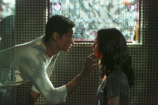 How To Get Away With Murder: Alfred Enoch e Katie Findlay nella puntata Kill Me, Kill Me, Kill Me