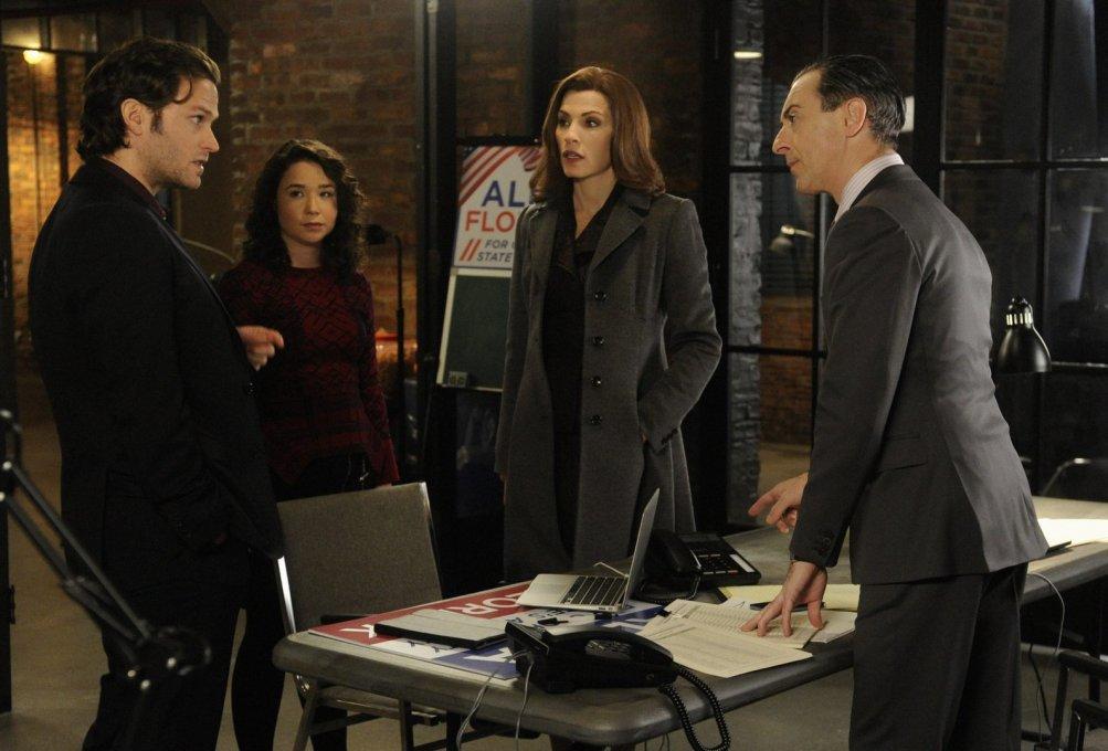 The Good Wife: Julianna Margulies e Alan Cumming nell'episodio intitolato The Trial