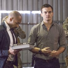 Homeland: Alex Lanipekun e Rupert Friend nella puntata intitolata There's Something Else Going On