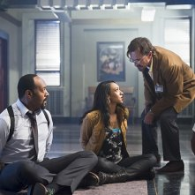 The Flash: Jesse L. Martin, Candice Patton e Robert Knepper in Power Outage