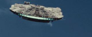 Star Wars: Il risveglio della forza - Iil Millennium Falcon in un'immagine dal trailer