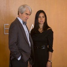 The Newsroom: Sam Waterston e Olivia Munn in una scena dell'episodio intitolato Contempt