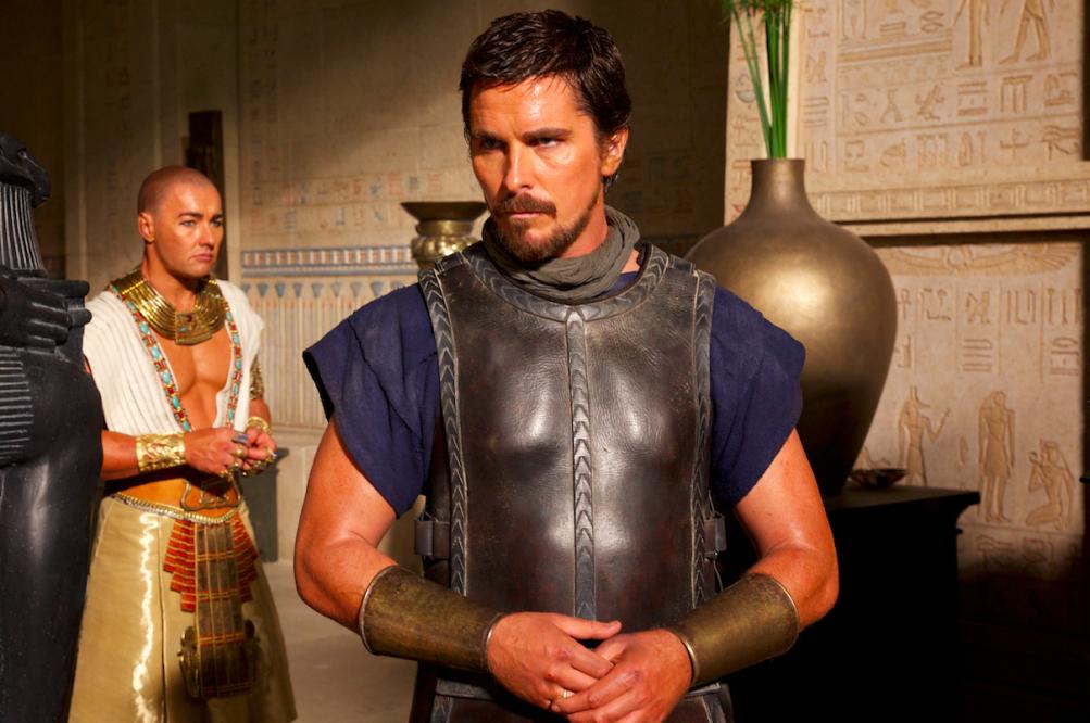 Christian Bale e Joel Edgerton in una scena di Exodus - Dei e Re
