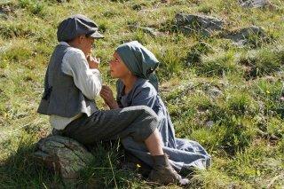 La storia di Cino: Stefano Marseglia con Francesca Zara in una scena del film