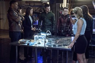 Arrow: David Ramsey, Audrey Marie Anderson, Stephen Amell, Colton Haynes, Danielle Panabaker ed Emily Bett Rickards in The Brave and the Bold