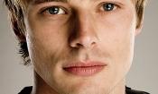 Bradley James è l'anticristo Damien