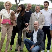 Ma che bella sorpresa: il cast del film di Alessandro Genovesi in posa per una foto promozionale