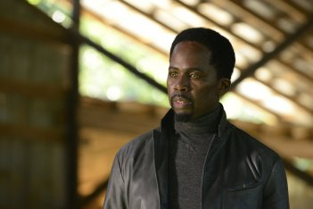 Constantine: l'attore Harold Perrineau in una scena dell'episodio Blessed Are The Damned