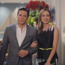 Revenge: Nick Wechsler e Courtney Ford in una scena dell'episodio Atonement