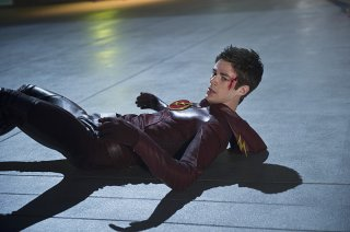The Flash: il protagonista Grant Gustin nell'episodio The Man in the Yellow Suit