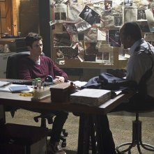 The Flash: Grant Gustin e Jesse L. Martin in The Man in the Yellow Suit
