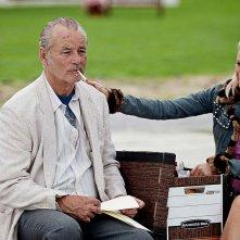 St. Vincent: Bill Murray con Naomi Watts in una scena