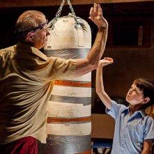 Bill Murray insieme a Jaeden Lieberher in una scena di St. Vincent