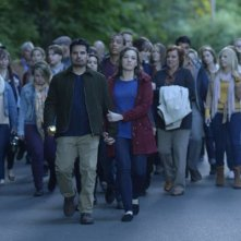 Gracepoint: Michael Peña e Virginia Kull in una scena del decimo episodio