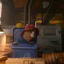 Paddington: il simpatico orsetto in una scena del film animato