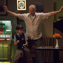 St. Vincent: Bill Murray si diverte con il piccolo Jaeden Lieberher in una scena