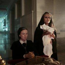 Constantine: Claire van der Boom in una scena dell'episodio The Saint of Last Resorts (1)