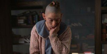 American Horror Story Freak Show: l'attrice Naomi Grossman nella puntata intitolata Orphans