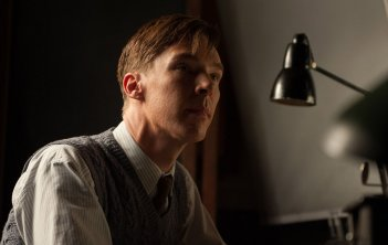 The Imitation Game: Benedict Cumberbatch in un primo piano tratto dal film nei panni di Alan Turing