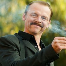 Kill Me Three Times: Simon Pegg dà fuoco ai cerini