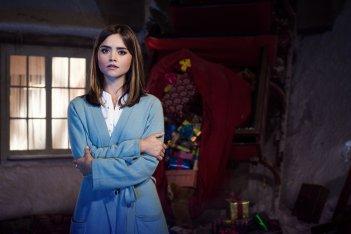 Doctor Who: Jenna-Louise Coleman è Clara in una foto promozionale di Last Christmas