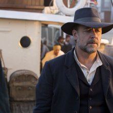 The Water Diviner: Russell Crowe nei panni dell'agricoltore Joshua Connor in una scena del film