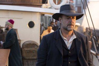 The Water Diviner: Russell Crowe nei panni dell'agricoltore Joshua Connor in una scena del film