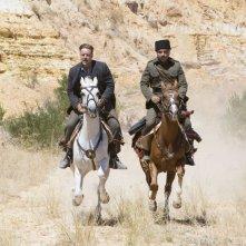 The Water Diviner: Russell Crowe con Yilmaz Erdogan a cavallo in una scena del dramma storico