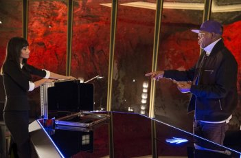 Kingsman: Secret service: Samuel L. Jackson con Sofia Boutella in una scena del film