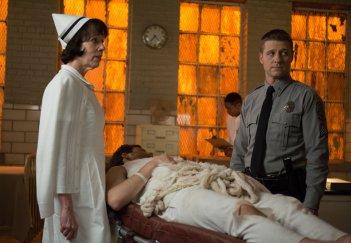 Gotham: Ben McKenzie interpreta James Gordon nella puntata La galleria dei furfanti