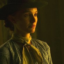 Jane Got A Gun: un primo piano di Natalie Portman