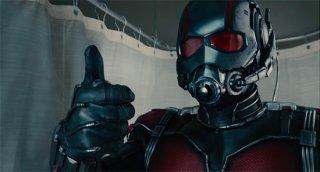 Ant-Man: Paul Rudd avvolto nel costume da uomo formica